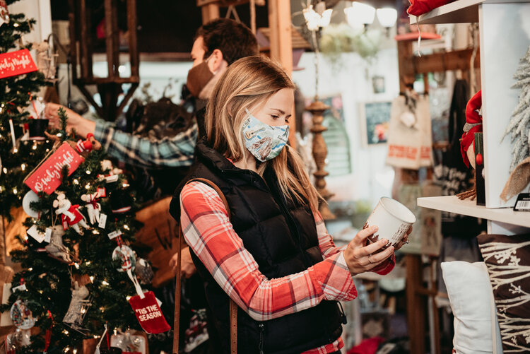 Where to Shop Local in the Lakeside of the Smokies this Holiday Season