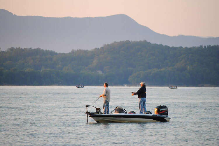 Summertime Fishing Report with Pro Angler Hunter Sales