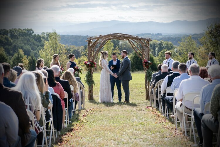 """6 Places to Say """"I Do"""" in Jefferson County, TN"""