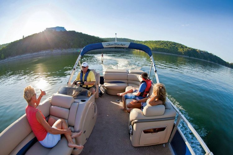 Fun in the Sun: A Perfect Day on the Waters of Jefferson County, TN