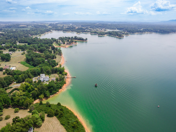 Maintaining Beautiful, Clean Lakes in Tennessee